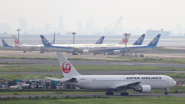 誘喜さんが、羽田空港で撮影した日本航空 767-346の航空フォト(飛行機 写真・画像)