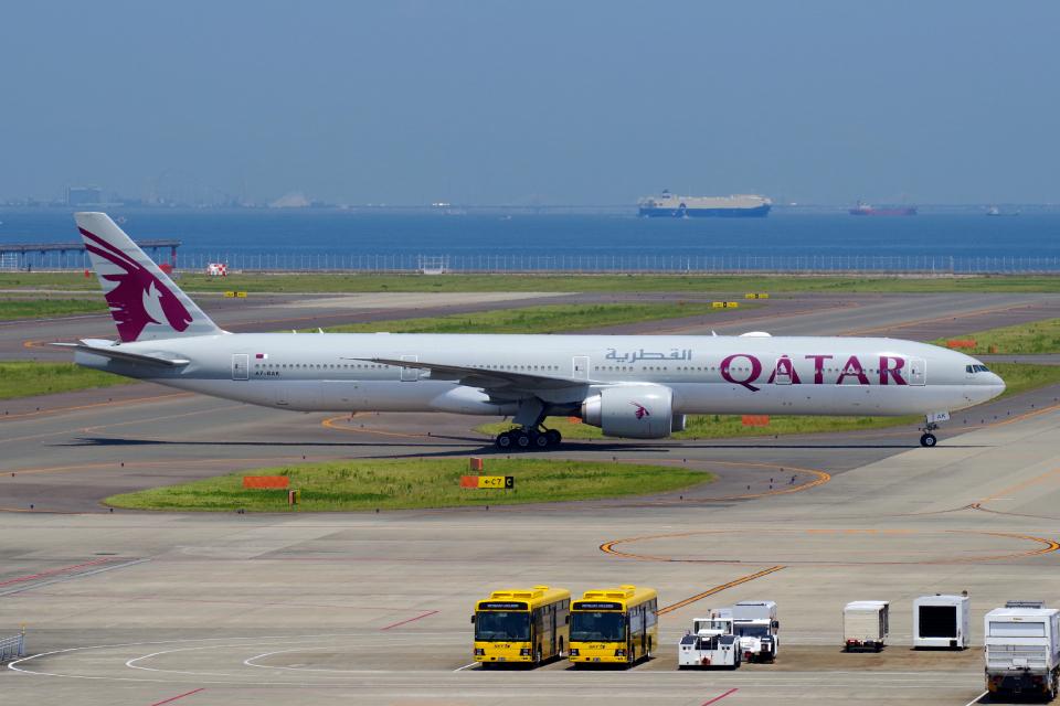 yabyanさんのカタール航空 Boeing 777-300 (A7-BAK) 航空フォト