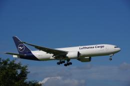 JA8037さんが、成田国際空港で撮影したルフトハンザ・カーゴ 777-FBTの航空フォト(飛行機 写真・画像)