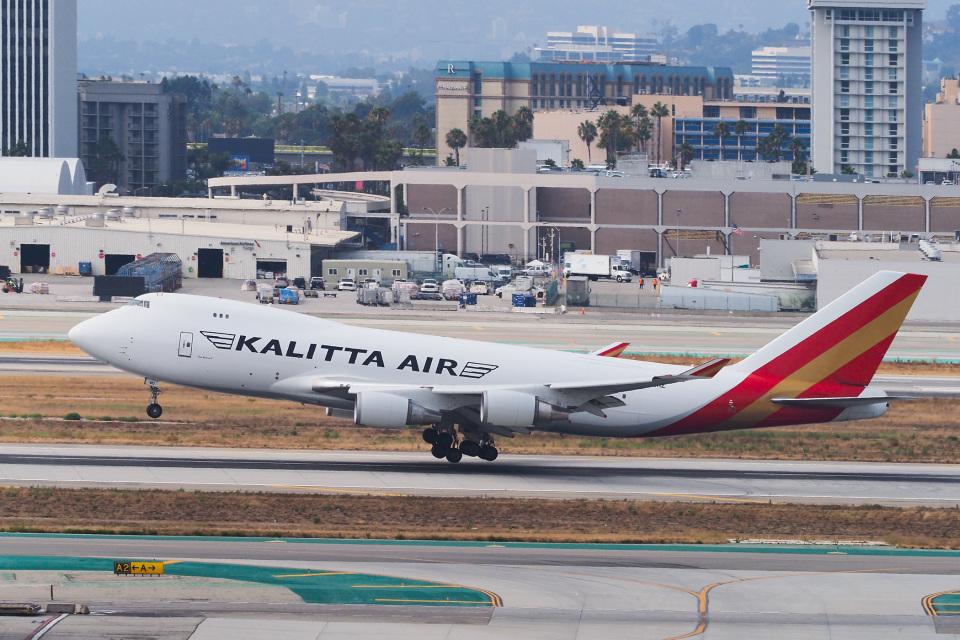 LAX Spotterさんのカリッタ エア Boeing 747-400 (N403KZ) 航空フォト