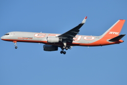 jun☆さんが、成田国際空港で撮影したアビアスター 757-223(SF)の航空フォト(飛行機 写真・画像)