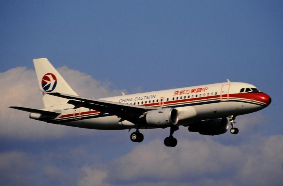チャーリーマイクさんの中国東方航空 Airbus A319 (B-2217) 航空フォト