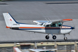 かとそさんが、調布飛行場で撮影した朝日航空 172P Skyhawk IIの航空フォト(飛行機 写真・画像)