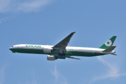 we love kixさんが、関西国際空港で撮影したエバー航空 777-35E/ERの航空フォト(飛行機 写真・画像)