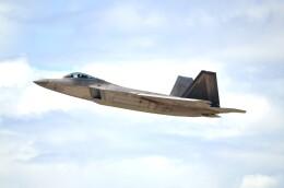 kohei787さんが、アントニオ・B・ウォン・パット国際空港で撮影したアメリカ空軍 F-22A-30-LM Raptorの航空フォト(飛行機 写真・画像)