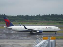 不揃いさんが、成田国際空港で撮影したデルタ航空 767-332/ERの航空フォト(飛行機 写真・画像)