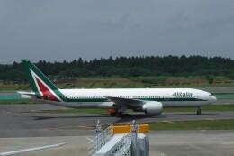 不揃いさんが、成田国際空港で撮影したアリタリア航空 777-243/ERの航空フォト(飛行機 写真・画像)
