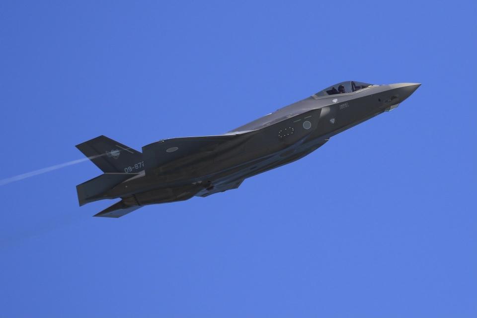 aki241012さんの航空自衛隊 Mitsubishi F-35 (09-8721) 航空フォト