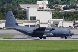 よっしぃさんが、嘉手納飛行場で撮影したアメリカ空軍 MC-130J Herculesの航空フォト(飛行機 写真・画像)