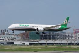 神宮寺ももさんが、福岡空港で撮影したエバー航空 787-10の航空フォト(飛行機 写真・画像)
