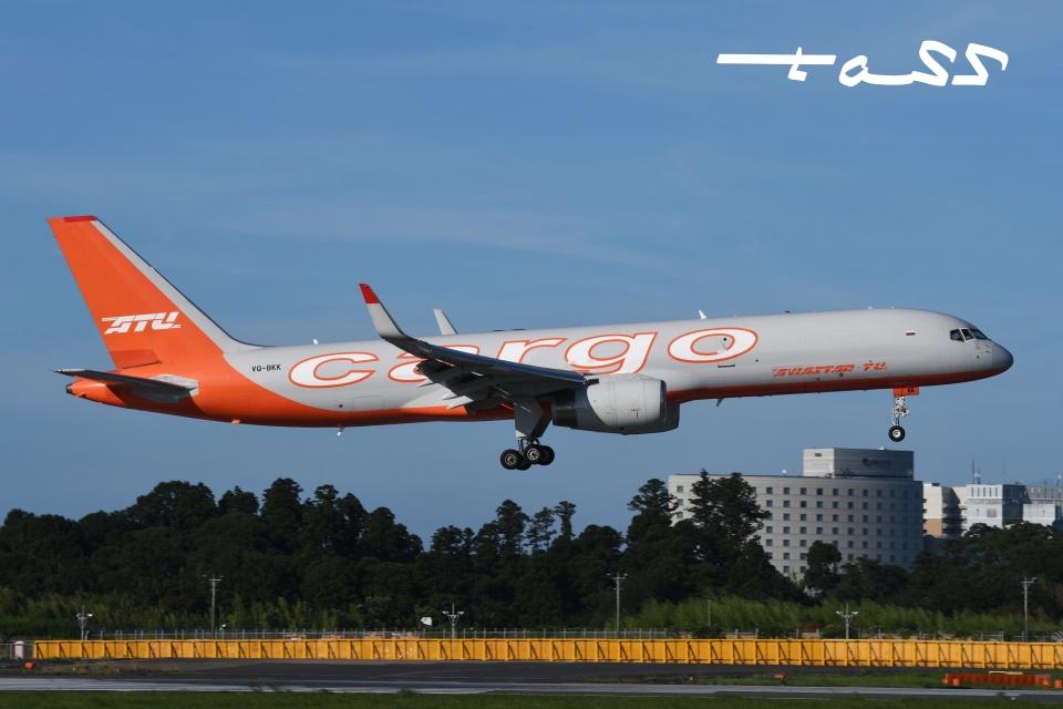 tassさんのアビアスター Boeing 757-200 (VQ-BKK) 航空フォト