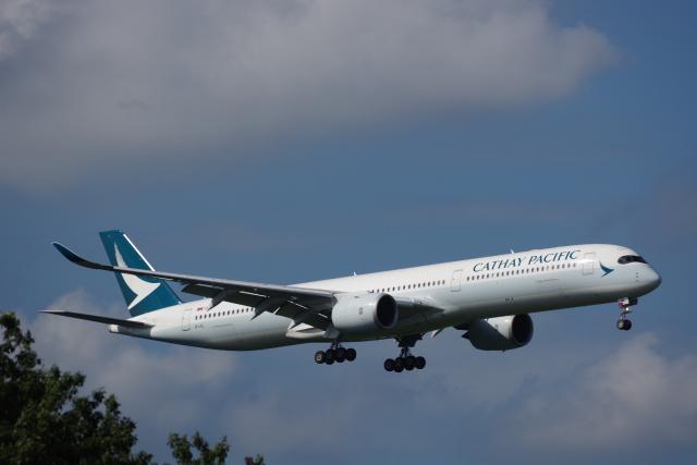 JA8037さんが、成田国際空港で撮影したキャセイパシフィック航空 A350-1041の航空フォト(飛行機 写真・画像)