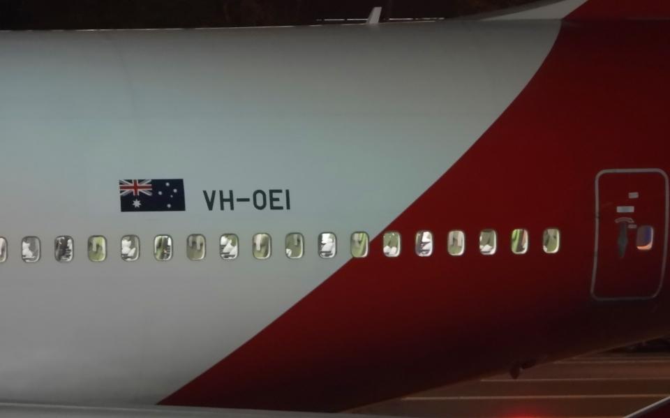チャレンジャーさんのカンタス航空 Boeing 747-400 (VH-OEI) 航空フォト