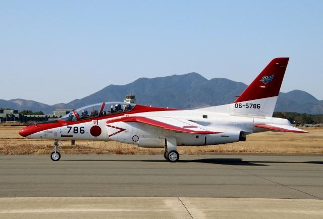 TA27さんが、芦屋基地で撮影した航空自衛隊 T-4の航空フォト(飛行機 写真・画像)