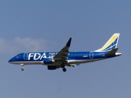 ケイエスワルツオーさんが、福岡空港で撮影したフジドリームエアラインズ ERJ-170-200 (ERJ-175STD)の航空フォト(飛行機 写真・画像)