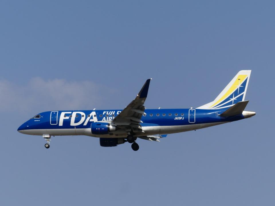 ケイエスワルツオーさんのフジドリームエアラインズ Embraer 175 (JA13FJ) 航空フォト