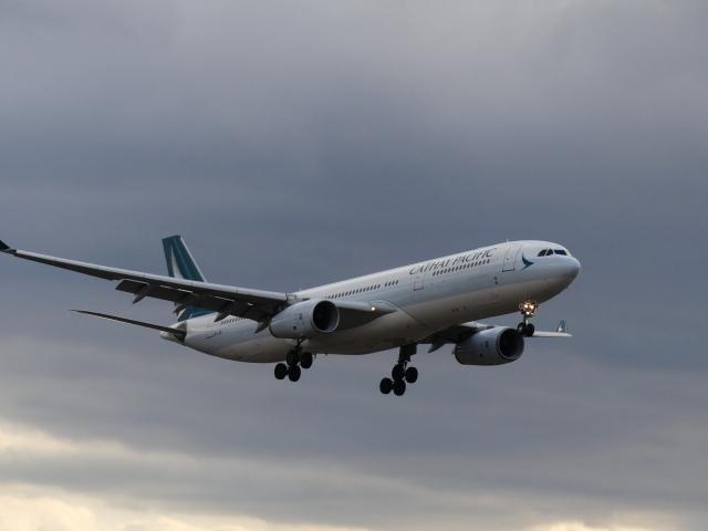 ケイエスワルツオーさんが、福岡空港で撮影したキャセイパシフィック航空 A330-343Xの航空フォト(飛行機 写真・画像)