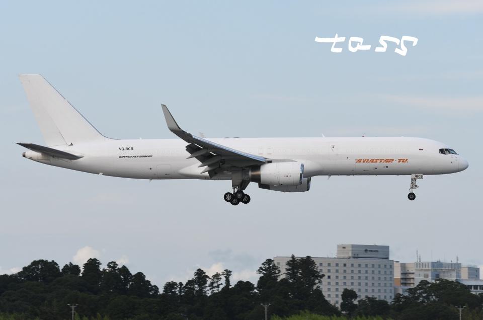 tassさんのアビアスター Boeing 757-200 (VQ-BCB) 航空フォト