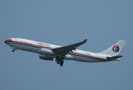 チャーリーマイクさんが、関西国際空港で撮影した中国東方航空 A330-243の航空フォト(飛行機 写真・画像)
