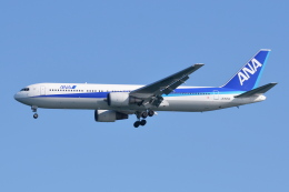 Deepさんが、羽田空港で撮影した全日空 767-381の航空フォト(飛行機 写真・画像)