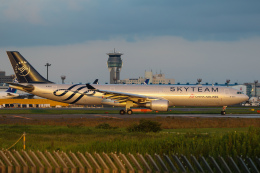 PONαさんが、成田国際空港で撮影したチャイナエアライン A330-302の航空フォト(飛行機 写真・画像)