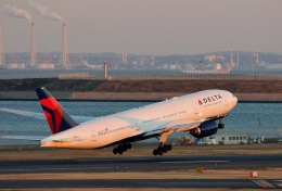 TA27さんが、羽田空港で撮影したデルタ航空 777-232/ERの航空フォト(飛行機 写真・画像)