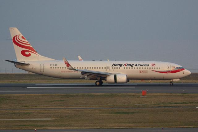 SGさんが、北九州空港で撮影した香港航空 737-84Pの航空フォト(飛行機 写真・画像)