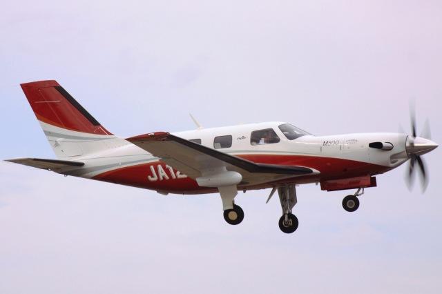 けいとパパさんが、八尾空港で撮影した日本法人所有 PA-46-500TP Meridian M500の航空フォト(飛行機 写真・画像)