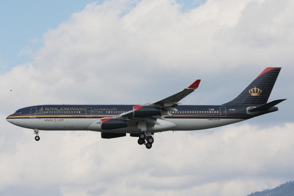 SGさんのロイヤル・ヨルダン航空 Airbus A340-200 (JY-AIC) 航空フォト