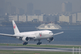 senyoさんが、羽田空港で撮影した日本航空 777-246の航空フォト(飛行機 写真・画像)