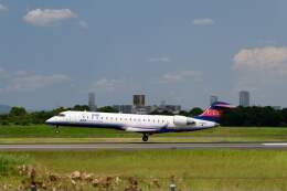 平凡なおっちゃんさんが、伊丹空港で撮影したアイベックスエアラインズ CL-600-2C10(CRJ-702ER)の航空フォト(飛行機 写真・画像)