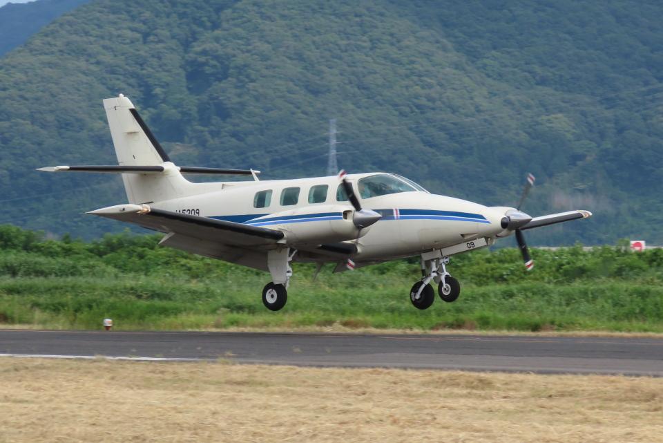F.YUKIHIDEさんの日本個人所有 Cessna 303 (JA5309) 航空フォト