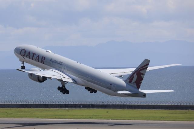 KOKI_ANA-Brussels767さんが、中部国際空港で撮影したカタール航空 777-3DZ/ERの航空フォト(飛行機 写真・画像)