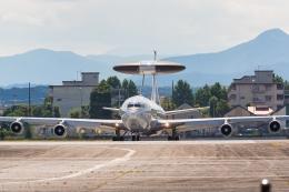 たーぼーさんが、横田基地で撮影したアメリカ空軍 E-3B Sentry (707-300)の航空フォト(飛行機 写真・画像)