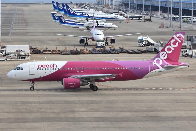 わんだーさんが、中部国際空港で撮影したピーチ A320-214の航空フォト(飛行機 写真・画像)