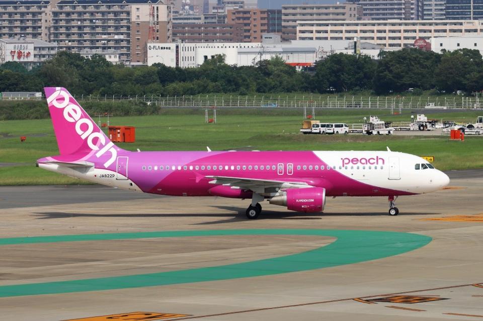 kan787allさんのピーチ Airbus A320 (JA822P) 航空フォト