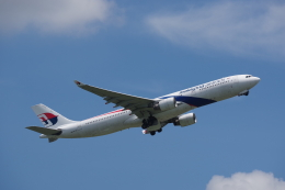 JA8037さんが、成田国際空港で撮影したマレーシア航空 A330-323Xの航空フォト(飛行機 写真・画像)