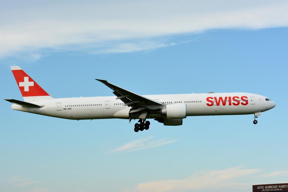 アルビレオさんのスイスインターナショナルエアラインズ Boeing 777-300 (HB-JNC) 航空フォト