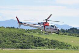 nn242455goさんが、秋田空港で撮影した朝日航洋 AS350B3 Ecureuilの航空フォト(飛行機 写真・画像)