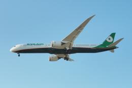 thomasYVRさんが、バンクーバー国際空港で撮影したエバー航空 787-10の航空フォト(飛行機 写真・画像)