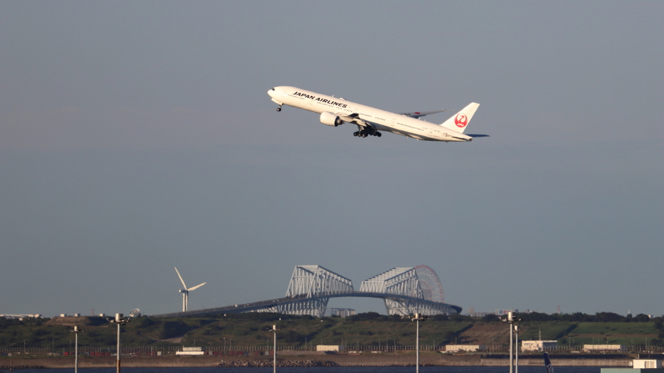 誘喜さんの日本航空 Boeing 777-300 (JA738J) 航空フォト
