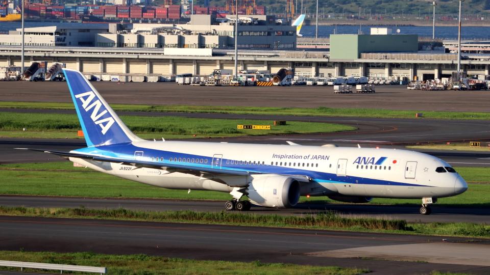 誘喜さんの全日空 Boeing 787-8 Dreamliner (JA822A) 航空フォト