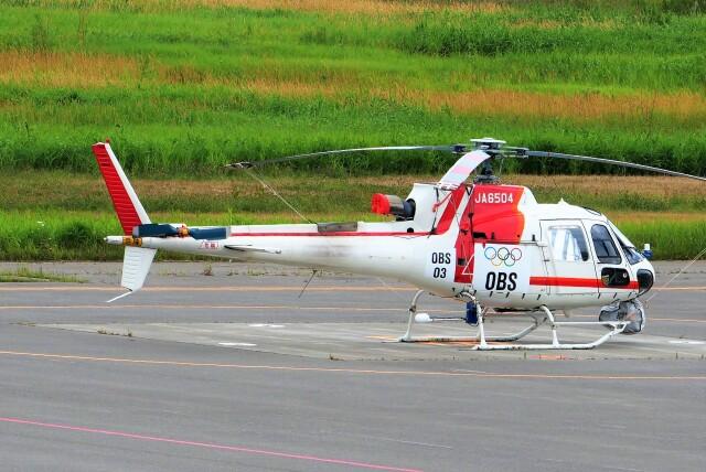hidetsuguさんが、札幌飛行場で撮影した朝日航洋 AS350B3 Ecureuilの航空フォト(飛行機 写真・画像)