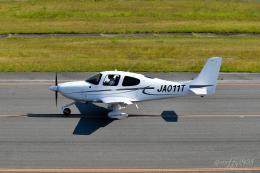 miffyさんが、広島空港で撮影した日本法人所有 SR22の航空フォト(飛行機 写真・画像)