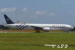 tassさんが、成田国際空港で撮影したエールフランス航空 777-328/ERの航空フォト(飛行機 写真・画像)