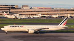 誘喜さんが、羽田空港で撮影したエールフランス航空 777-328/ERの航空フォト(飛行機 写真・画像)