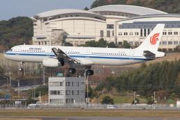 磐城さんが、福岡空港で撮影した中国国際航空 A321-232の航空フォト(飛行機 写真・画像)