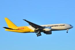 B747‐400さんが、成田国際空港で撮影したサザン・エア 777-FZBの航空フォト(飛行機 写真・画像)