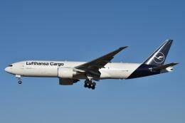 B747‐400さんが、成田国際空港で撮影したルフトハンザ・カーゴ 777-FBTの航空フォト(飛行機 写真・画像)