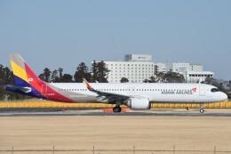 B747‐400さんが、成田国際空港で撮影したアシアナ航空 A321-251NXの航空フォト(飛行機 写真・画像)